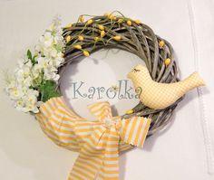 Veniec na dvere - Vtáčik Čimo v žltom #handmade #spring #jar #veniec #dekoracia #zepire