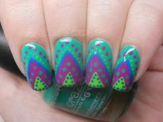 dotted triangle nails