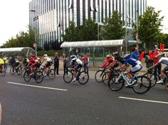 Quick snap of @thewomenstour passing #Corby library today! #nntour