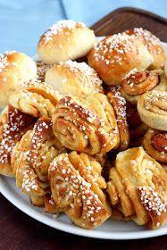 Nyt on aika leipoa pullia. Baking Recipes, Dessert Recipes, Desserts, Finnish Recipes, Baked Doughnuts, Sweet Pastries, I Love Food, Yummy Cakes, No Bake Cake