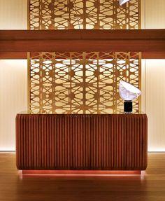 Quem ainda não conhecePatricia Urquiola é melhor se atualizar. A designer espanhola está no mercado de arquitetura, interiores e design de produtos desde 1991, mas foi a partir de 2001 que ela se …