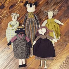 Sophie Digard Dolls Crochet Art, Crochet Dolls, Knitted Animals, Sock Animals, Impression Textile, Handmade Soft Toys, Little Cotton Rabbits, Monster Dolls, Doll Painting