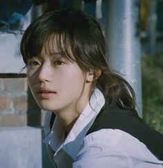 Jun Ji-hyun (전지현, born 30 October also known as Gianna Jun, is a South Korean actress. Jun Ji Hyun, Korean Beauty, Asian Beauty, Japonese Girl, Pretty People, Beautiful People, Hyun Young, Poses, Aesthetic Photo
