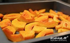 Easy Roasted Pumpkin Recipe Pumpkin Recipes, Cantaloupe, Sweet Potato, Carrots, Roast, Low Carb, Potatoes, Lunch, Dinner