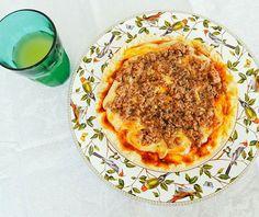 E uma visão para mergulhar na nossa Pizza de Tofupiry e Atum  sem gluten e lactose. #pizza #glutenfree #lactosefree 🌱🐟🐄🍫🍰 @donamanteiga #donamanteiga #danusapenna #amanteigadas #gastronomia #food #bolos #tortas www.donamanteiga.com.br