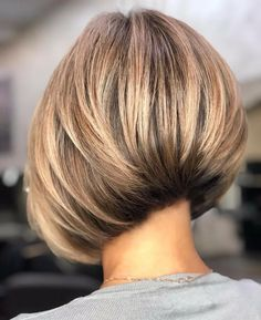 Short Layered Bob Haircuts, Blonde Bob Hairstyles, Short Hairstyles For Thick Hair, Short Hair Cuts, Medium Stacked Haircuts, Thick Hair Bobs, Layered Inverted Bob, Concave Bob Hairstyles, Short Stacked Hair