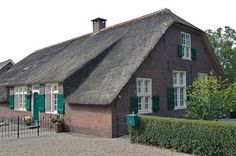 Boerderij Haugesund Utrecht, Cabin, House Styles, Home Decor, Decoration Home, Room Decor, Cottage, Interior Decorating, Cottages
