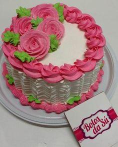 Boa noite seuuus lindos Cake Decorating Designs, Cake Decorating Videos, Cake Decorating Techniques, Cake Designs, Buttercream Icing, Cake Icing, Cupcake Cakes, Chocolate Frosting, Cake Chocolate