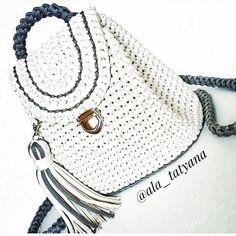 Marvelous Crochet A Shell Stitch Purse Bag Ideas. Wonderful Crochet A Shell Stitch Purse Bag Ideas. Crochet Backpack Pattern, Free Crochet Bag, Crochet Shell Stitch, Crochet Bags, Crochet Handbags, Crochet Purses, Yarn Bag, Purse Patterns, Knitted Bags
