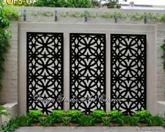 balcony privacy screen Design Art Caprice laser-cut screens can offer an infinite amount of options to fit your particular application for your backyard, patio, veranda etc. Outdoor Wall Panels, Privacy Screen Outdoor, Privacy Panels, Outdoor Metal Wall Art, Balcony Privacy, Outdoor Art, Outdoor Plants, Outdoor Rooms, Outdoor Walls