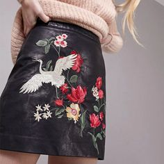 MOirlicer Black Skirt Floral Embroidery Vintage PU Leather Pencil Skirt Women Slim High Waist Zipper Mini Ethic Plus Size Skirt Leather Embroidery, Embroidery Dress, Floral Embroidery, Black Leather Skirts, Faux Leather Skirt, Pu Leather, Mini Vestidos, Vestidos Vintage, Plus Size Skirts