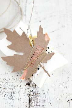 .Paper Leaf Embellished Favor Box | Could also be made into a sweet Thanksgiving napkin ring / place setting
