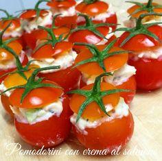 Pomodorini ripieni con crema al salmone Vol Au Vent, Ceviche, Tostadas, Caprese Salad, Finger Foods, Guacamole, Buffet, Dolce, Drinks