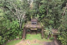 (Tourism & Events Queensland) Australia's Strangest Places: Paronella Park, Queensland (Once home to a Spanish castle nestled in an enchanted forest, Paronella Park offers a unique experience that combines natural beauty with history and romance. The ruins of the castle and the lush gardens invite visitors to wander the five hectares of the attraction, browsing cascading waterfalls, exotic rainforest plants and majestic trees.)