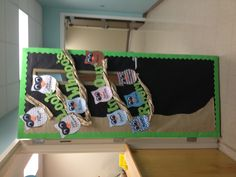 Owl bulletin board!! Owl Bulletin Boards, Preschool Bulletin Boards, Kindergarten Classroom, Owl Theme Classroom, Classroom Setting, Classroom Ideas, Owl Door Decorations, Fall Owl, Learning Time