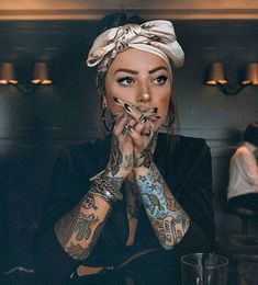 tattoos for men black and grey Tattoo Girls, Girl Tattoos, Tattoos For Guys, Tattoos For Women, Sexy Tattoos, Body Art Tattoos, Jagua Henna, Tattoed Women, Head Scarf Styles