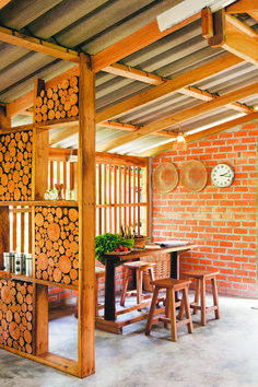 51 New Ideas house decor rustic apartment Rustic Apartment Decor, Home Decor, Decoration Restaurant, Bamboo House Design, Dirty Kitchen, Rustic Kitchen, Hut House, Cafe Design, Rustic Interiors