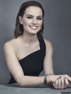 Daisy Ridley love her! Great actress! ❤️