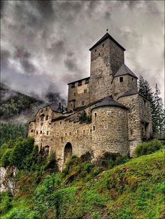 Medieval, Tures Castle, Trentino-Alto Adige, Italy photo via brenda Beautiful Castles, Beautiful Buildings, Beautiful Places, Beautiful Pictures, Chateau Medieval, Medieval Castle, Gothic Castle, Medieval Fortress, Medieval Tower