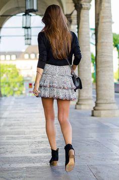 Veja Du Ruffle Flirt Skirt Outfit Idea
