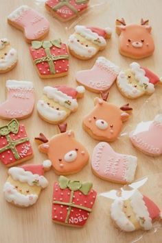 Kawaii Japanese xmas cookies these are so cute! I would love to try my hand at making such cute cookies! Cute Christmas Cookies, Xmas Cookies, Iced Cookies, Christmas Sweets, Noel Christmas, Sugar Cookies, Christmas Cupcakes, Halloween Cupcakes, Birthday Cupcakes