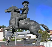 Uralla, New South Wales - Wikipedia, the free encyclopedia: statue of bushranger Captain Thunderbolt (Fred Ward) at Uralla, NSW. The big question is did he hide his stolen riches?