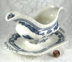 Masons Manchu Gravy Boat Attached Plate Blue Transferware 1940s