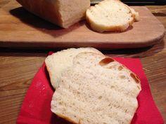 il pancarrè vegan è un pane soffice soffice adatto per toast, morbidi panini, o anche tostato con un velo di marmellata