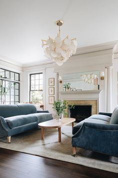 Formal Living Rooms, Home Living Room, Living Room Decor, Living Spaces, Southern Living Rooms, Coastal Living, Dining Room, Home Design, Living Room Lighting Design