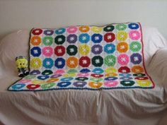 Kids will go crazy for this Colorful Crayon Afghan. Make this #crochet afghan for a little one with a big imagination.