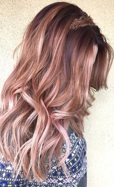 Rose gold balayage ombre by Genna Khein (www.GennaKhein.com) #balayage #ombre #rosegold #rosegoldhair
