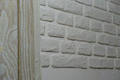 Кирпичная стена. Стиль лофт своими руками - Советы по ремонту Loft House, Brick Wall, Hardwood Floors, Mosaic, Furniture Design, Bedroom Decor, Outdoor Structures, Wall Art, Interior