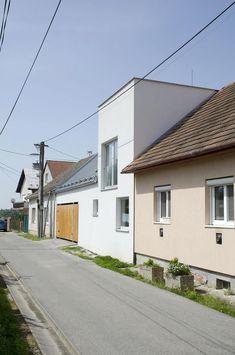 House P, Moravany / TOITO