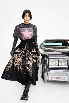 Fashion Week, Star Fashion, Runway Fashion, High Fashion, Women's Fashion, Milan Fashion, Fashion Addict, Fashion Trends, Roberto Cavalli