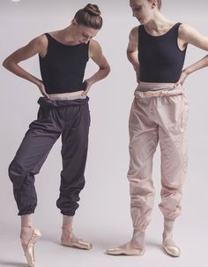 My first dance teacher used to wear these every class Ahhhhhh garbage bag pants. My first dance teacher used to wear these every class Ballet Wear, Ballet Class, Ballet Dancers, Ballet Fashion, Dance Fashion, Ballet Inspired Fashion, Ballet Style, Dance Photos, Dance Pictures