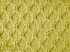 Honeycomb textured pattern | Knitted in a multiple of 4 sts + 1 and a 12-row repeat.