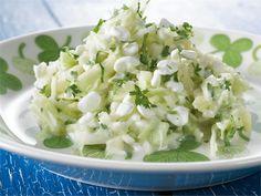 Varhaiskaali-raejuustosalaatti Feta, Potato Salad, Grains, Rice, Potatoes, Cheese, Ethnic Recipes, Potato, Seeds