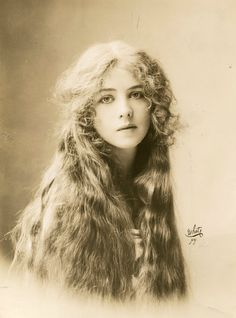 Ione Bright. 1912. that hair do