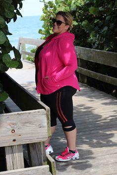 Size wearing Rainbeau Curves / Modeled by Jessica Kane Stylish Plus, Trendy Plus Size, Outfit Zusammenstellen, Plus Size Clothing Stores, Plus Size Fashionista, Plus Size Workout, Gym Clothes Women, Plus Size Activewear, Curvy Fit
