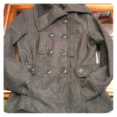 Live Free Wool Blend Coat in Grey Heather Size M Live Free gray heather wool blend coat size medium. Like New. Fits more like a small. Live Free Jackets & Coats Pea Coats