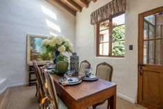 Informal dining off the kitchen