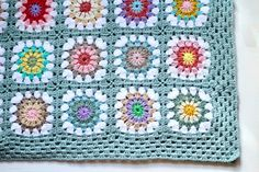 Crochet, photo, design, anecdotes from a simple and homespun life in the country.