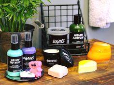 Die frischesten Kreationen aus den #LushLabs sind da! Welche dürfen in deinem Badezimmer einziehen? 🚿 *Online exklusiv.  📸: @lushdeutschland Lush, Hair Care, Vegan, Photo Credit, Instagram Posts, How To Make, Skincare, Beautiful, Bath Room