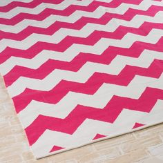 Exceptional Fuschia Pink Ziggy Chevron Indoor Outdoor Rug .