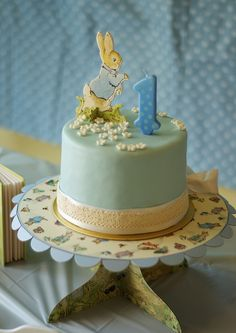 Peter Rabbit Birthday cake for a Peter Rabbit Party