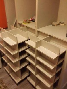 Inspirational small closets - Home Fashion Trend Closet Storage, Bedroom Storage, Closet Organization, Shoe Closet, Shoe Organizer, Organizing, Master Bedroom Closet, Home Bedroom, Closet Layout