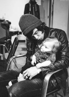 Kellin Quinn and his daughter Copeland <3