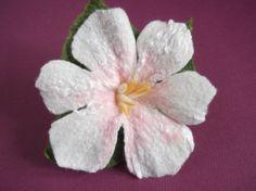 Gefilzte Brosche Blume Filz Zubehör von CozyFelt auf Etsy