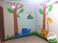 Diseño personalizado para cuarto de bebé, instalación en VINIL con PVC. Otro cliente satisfecho.