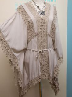 STUNNING LAGENLOOK KAFTAN TUNIC / BEACH COVER UP IN BEIGE FITS SIZES 12-18
